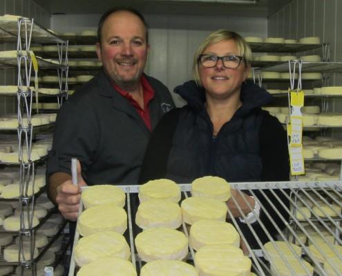 Pascal et Christel Leroux, fromagers affineurs à Brion dans l'Yonne.
